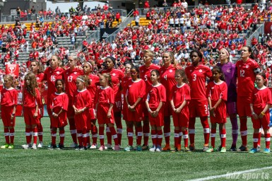 Team Canada during the playing of the Canadian national nathem