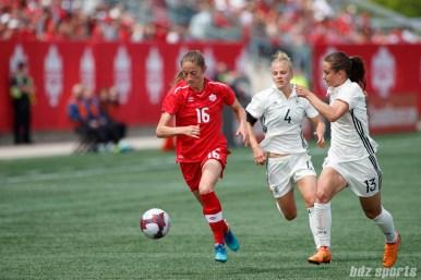 Team Canada forward Janine Beckie (16)