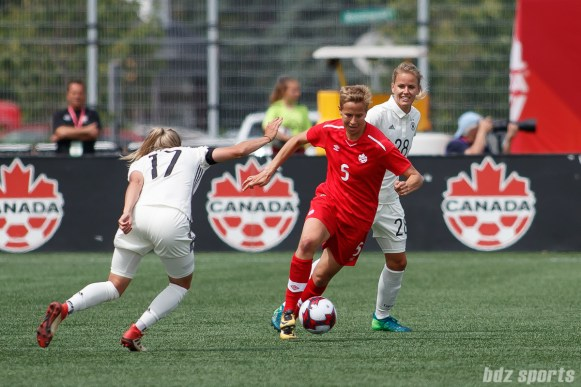 Team Canada defender Rebecca Quinn (5)