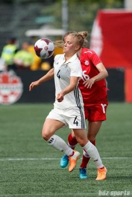 Team Germany defender Leonie Maier (4)
