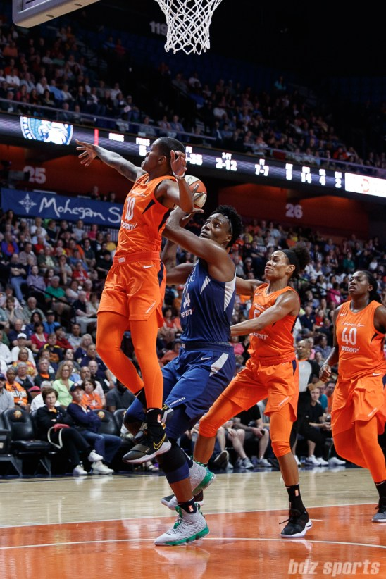 Minnesota Lynx center Sylvia Fowles (34)