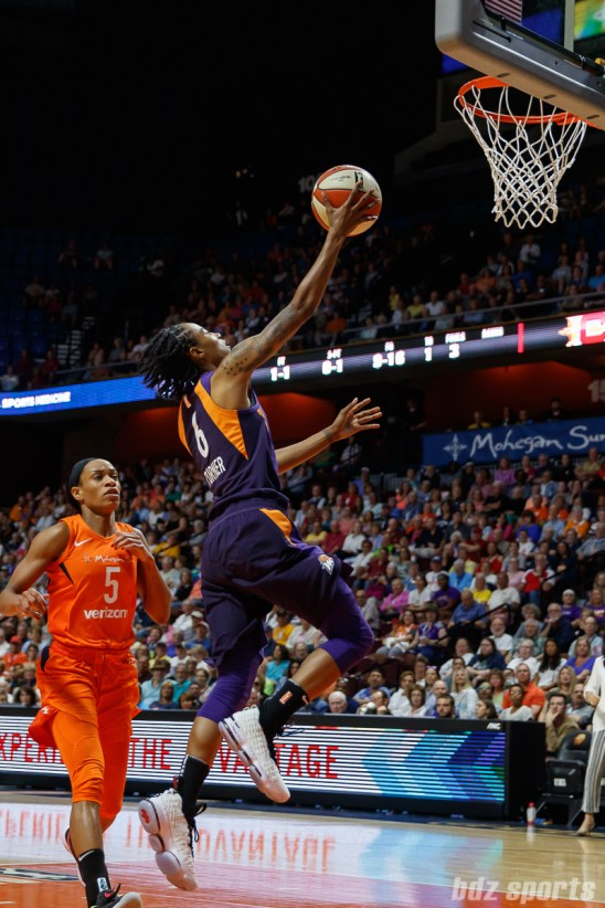 Phoenix Mercury guard Yvonne Turner (6)