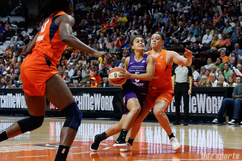 Phoenix Mercury guard Leilani Mitchell (5)