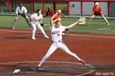 USSSA Pride pitcher Jessica Burroughs (16)
