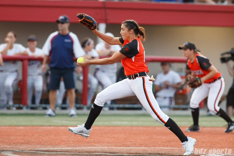 Chicago Bandits pitcher Danielle O'Toole (0)