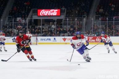 Montreal Les Canadiennes forward Melodie Daoust (15)