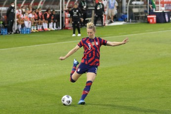 USWNT midfielder Samantha Mewis (3) in the first of two 2021 WNT Send-Off Series games between the USWNT and Mexico at Rentschler Field in East Hartford, CT on July 1, 2021 .
