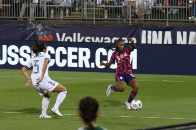USWNT defender Crystal Dunn (2) controls the ball in the first of two 2021 WNT Send-Off Series games between the USWNT and Mexico at Rentschler Field in East Hartford, CT on July 1, 2021.