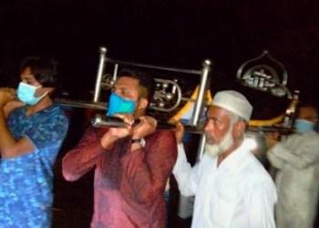 করোনায় মৃত ঢাবি ছাত্রের মায়ের লাশ দাফন করলো ছাত্রলীগ
