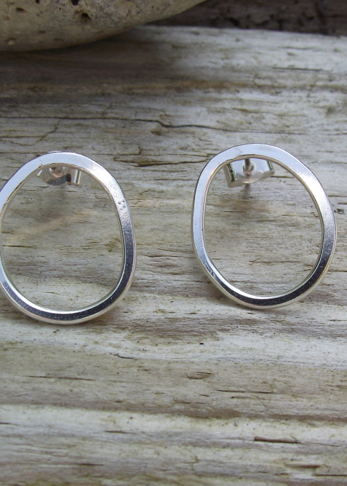 circles stud earrings