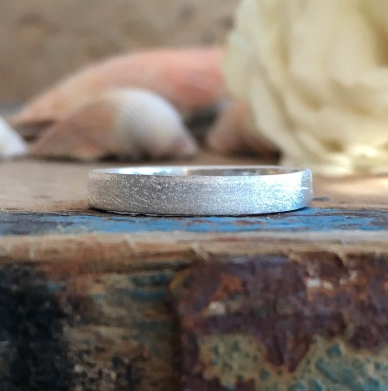 band ring with a frosted finish