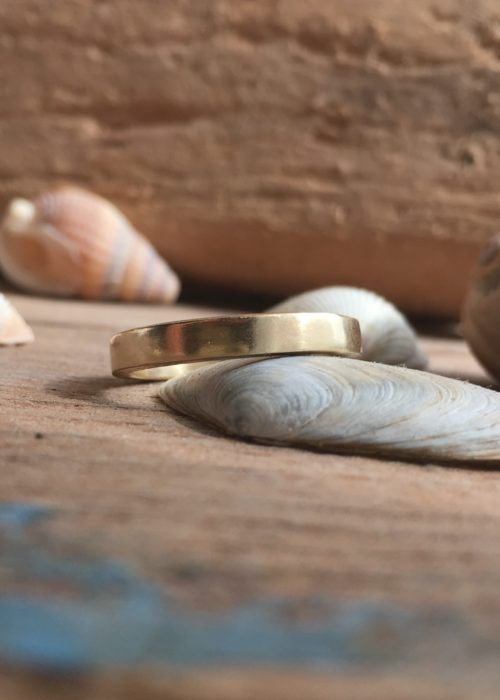 Heulwen - recycled gold band ring