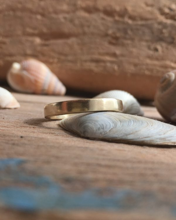 Heulwen – recycled gold band ring