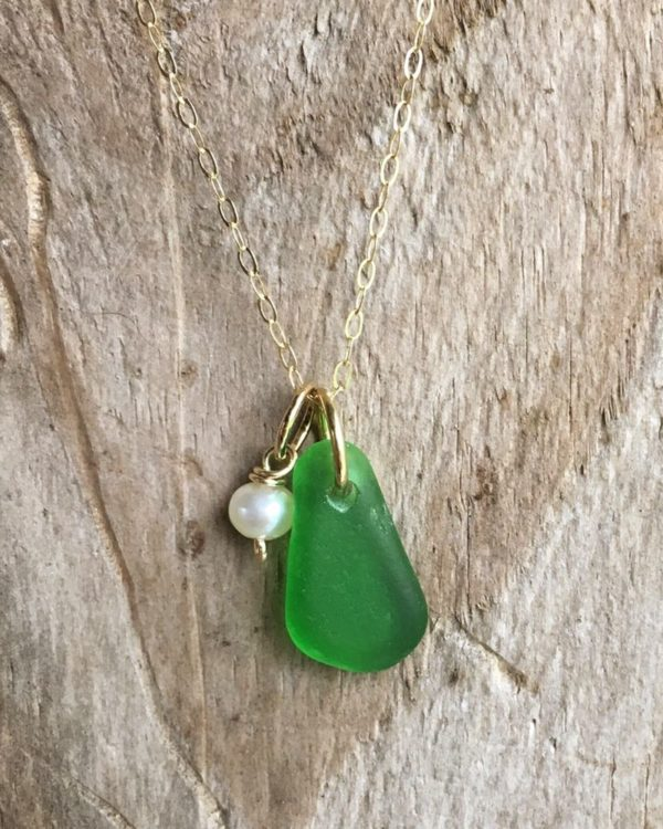 green sea glass with freshwater pearl
