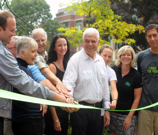 Ribbon cutting ceremony for Kew Beach School solar project