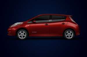 Nissan Leaf in Red