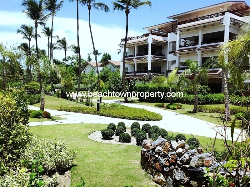 Luxury apartment with private gardens in Samana