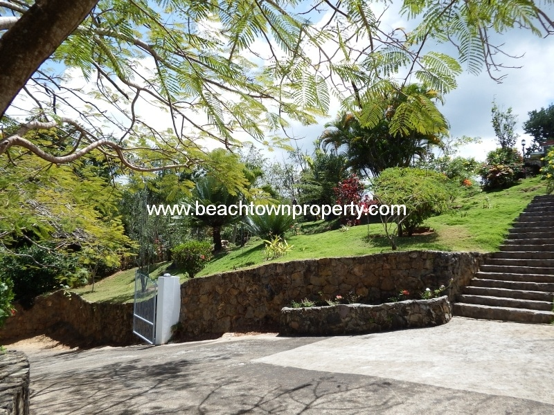 Ocean view house with separate cottage Las Terrenas