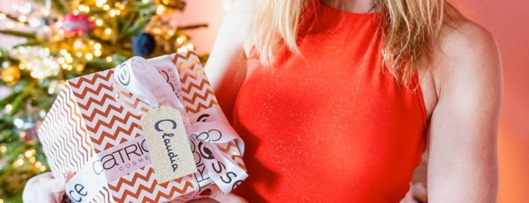 Cadeautjes tip tijd ..December is weer aangebroken. Tijd om de kerstboom neer te zeten en te versieren. We gaan cadeautjes te kopen en verlanglijstjes te maken. Wat een hoop keus, en wat vraag je nou? Handige cadeautjes? Ik geef je een paar Tips voor de leukste kerstcadeaus. Beauty cadeautjes zijn toch wel mijn favoriet.. ik kan echt genieten van een fles heerlijke parfum, of een luxe crème. Maar ook bijvoorbeeld een lekker huis parfum staat hoog op mijn wish list.