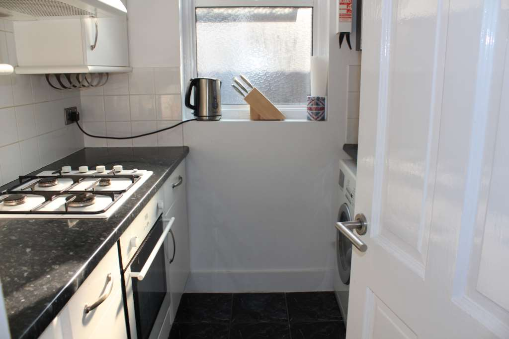 A Louer Appartement 2 Chambres Situe 92 Leslie Road E11