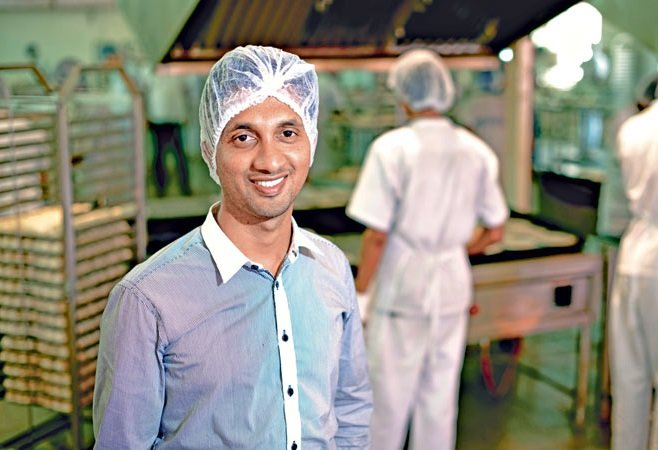 The-Coolies-Son-Who-Changed-His-Fate-and-Built-a-100-Crore-Company-Be-An-Inspirer