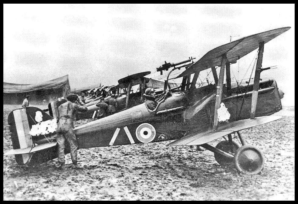 Royal-Aircraft-Factory-S.E.5-Be-An-Inspirer