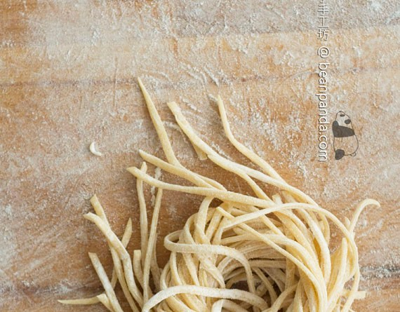自製三色意大利麵【雞蛋‧羅勒‧紅菜頭】Homemade Pasta