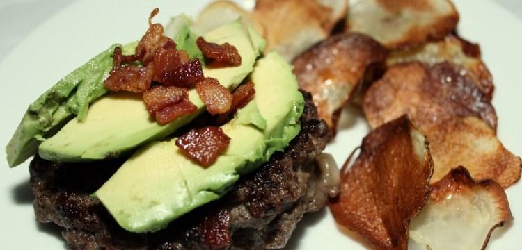 Bacon-Cheddar Stuffed Burgers with Homemade Crisps | summer recipes | BearandBugEats.com
