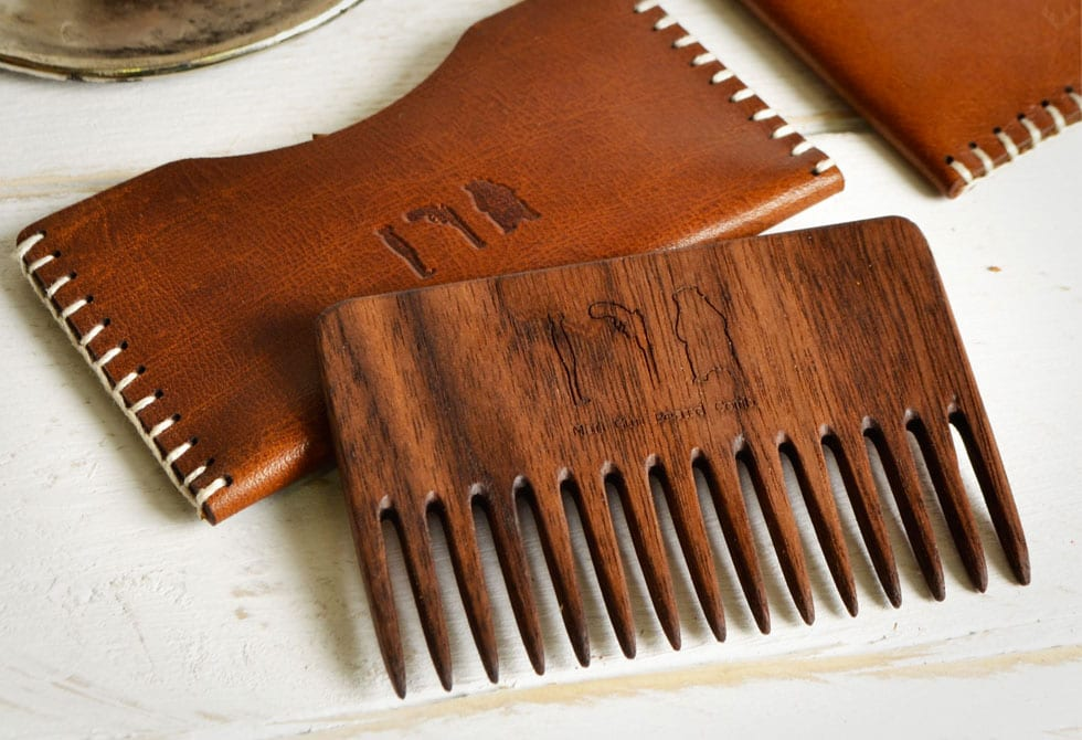 wooden-beard-comb