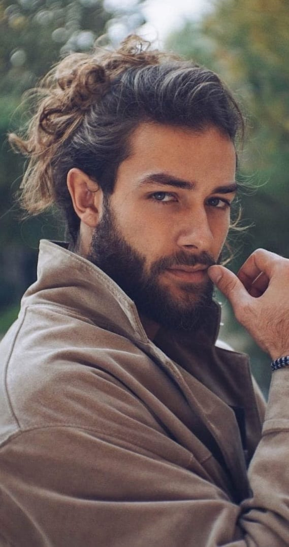 Messy-Man-Bun-and-Beard-Look-for-men