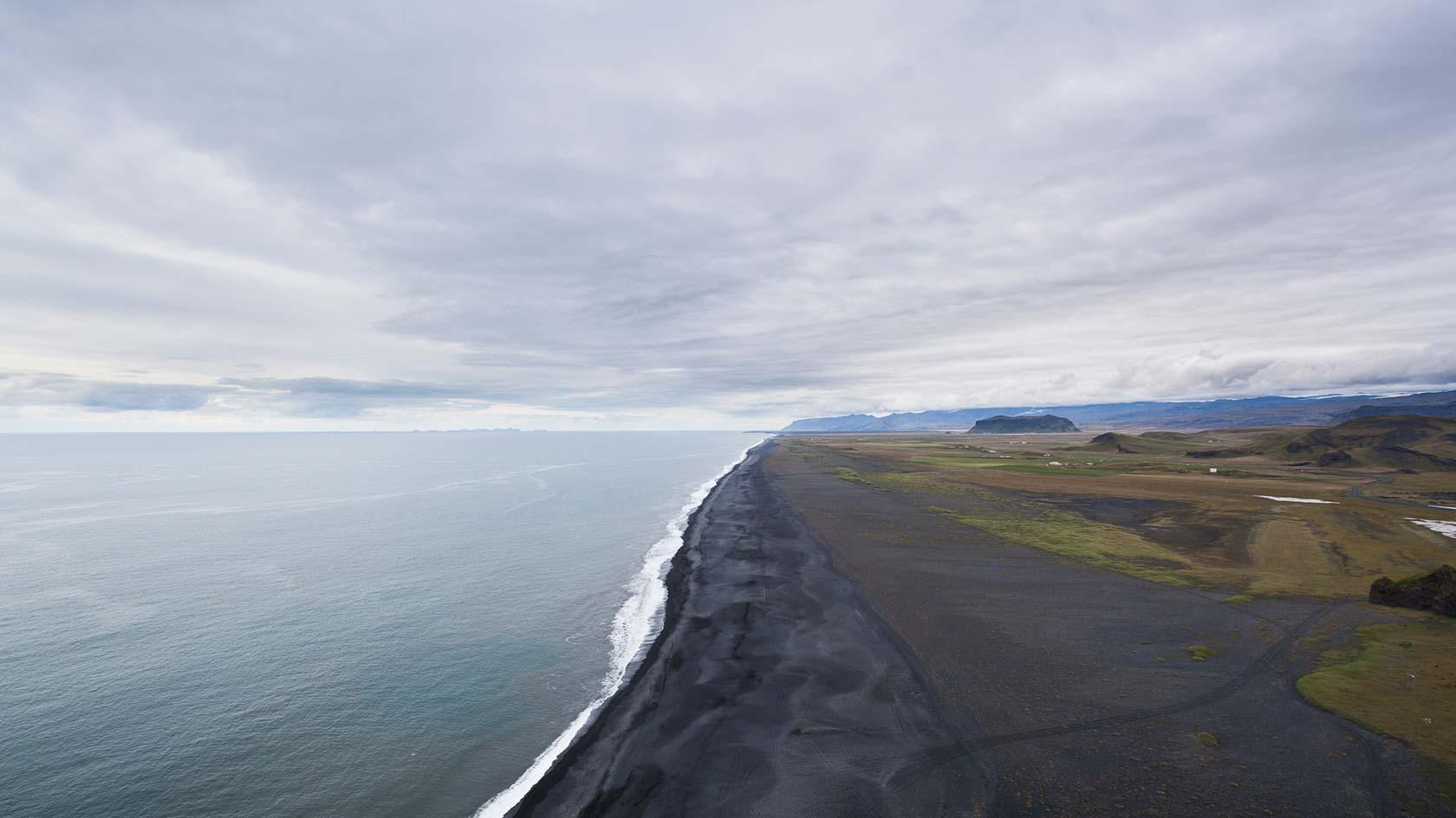 Iceland 12 - Seaside