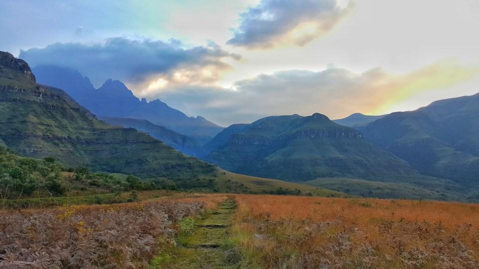 Drakensberg Mountains Hiking Guide
