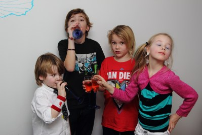 2012_145 - Nyårspartaj med barnen 2012