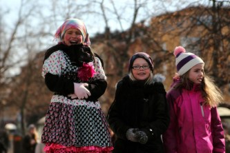 Påskparad i Karlstad 2013 - Glada kärringar