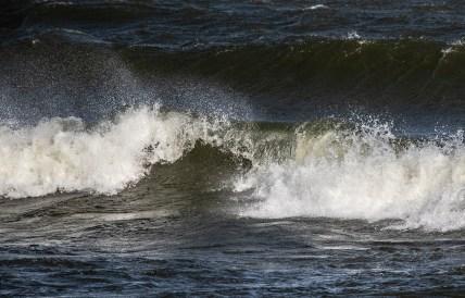180810-172113-waves-1D8A6576