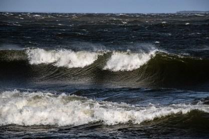 180810-172115-waves-1D8A6578