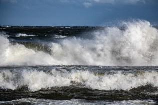 180810-174019-waves-1D8A7233
