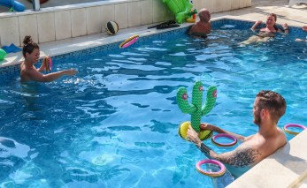 190825-154638-pool-IMG_0974