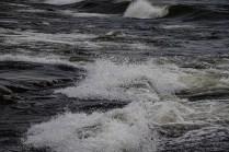 200705-192848-waves-1D8A3877