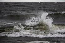 200705-193013-waves-1D8A3971