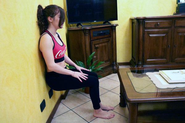 wall-sit in sala