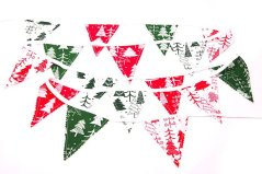 Christmas-decorations---green-red-Christmas-tree-bunting-PS