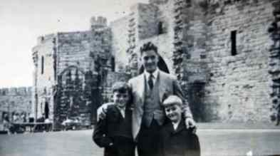 George Harrison and family, 1940s