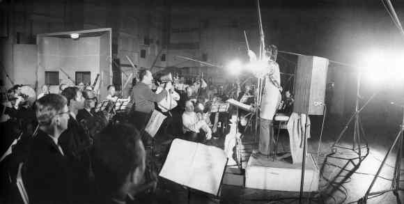 Paul McCartney conducting the orchestra on A Day In The Life, 10 February 1967