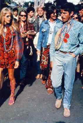 George and Pattie Harrison with Derek Taylor in Haight-Ashbury, San Francisco, 7 August 1967