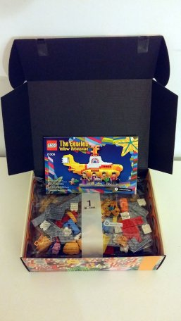The Beatles' LEGO Yellow Submarine – inside the box