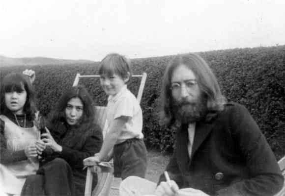 John Lennon, Julian Lennon, Yoko Ono and Kyoko Cox in Tywyn, Wales, June 1969