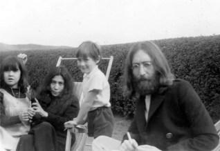 John Lennon, Julian Lennon, Yoko Ono and Kyoko Cox in Tywyn, Wales, June 1969