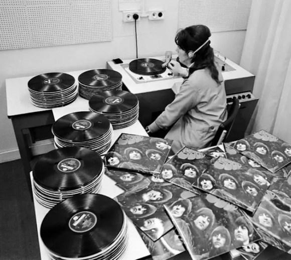 EMI worker quality testing Rubber Soul vinyl pressings, 1965