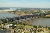 old-Memphis-bridge.JPG